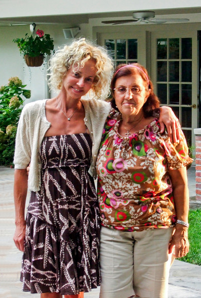 Carrie (née Walsey) Hyman and mother-in-law Dora Hyman at Hyman, Walsey and Somerstein families at Hyman home for Elliot Walsey gravestone unveiling