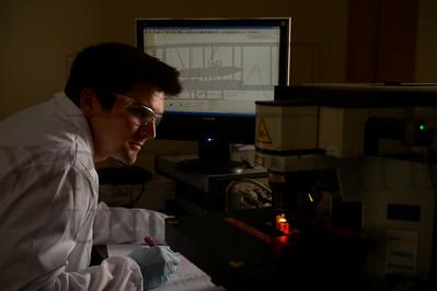 13462 Kevin Dorney in his lab 4-14-14