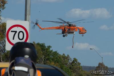 Bushfire - Wattle Grove (WA) Dec 22 2015 - Helitacks in operation
