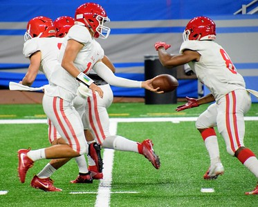 HS Sports -  Divine Child Orchard Lake St. Mary's Football