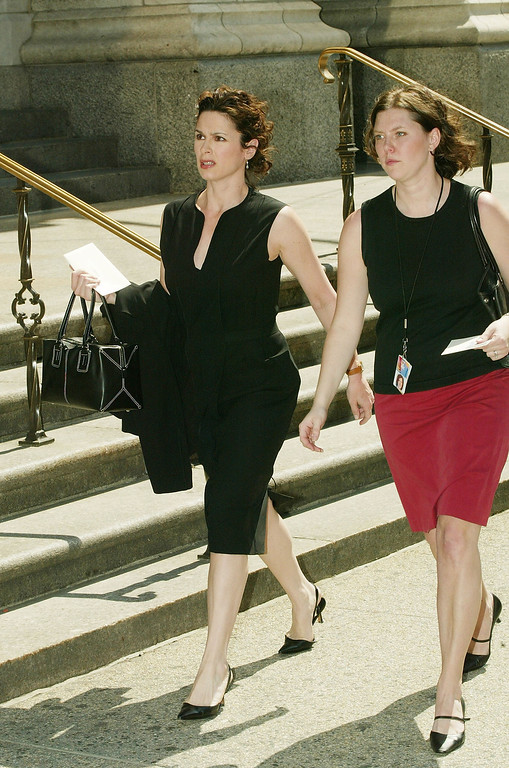 ". NEW YORK - APRIL 16:  ""20/20\"" correspondent Elizabeth Vargas attends a funeral Mass for NBC news correspondent David Bloom at St. Patrick\'s Cathedral April 16, 2003 in New York City. The 39-year-old anchor of \""Weekend Today\"" died suddenly of a blood clot"