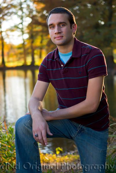 084 Craig White Senior Portraits darker.jpg