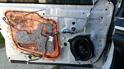 2014 Toyota Camry SE Sport Front Door Speaker Installation - USA
