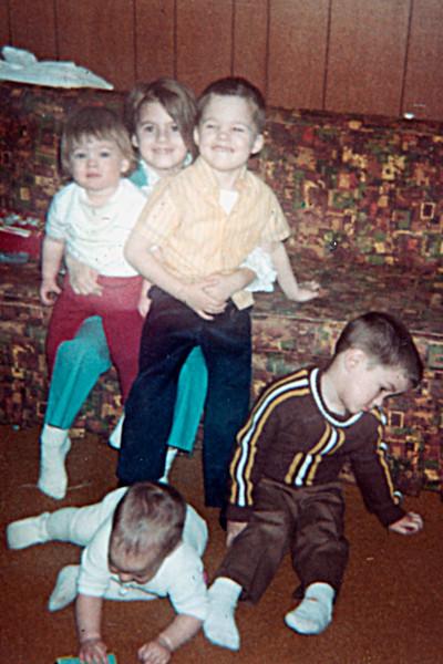 1970-04 - Back: Karen, Kristi & Bobbie Voas; front: Jeff & Randy