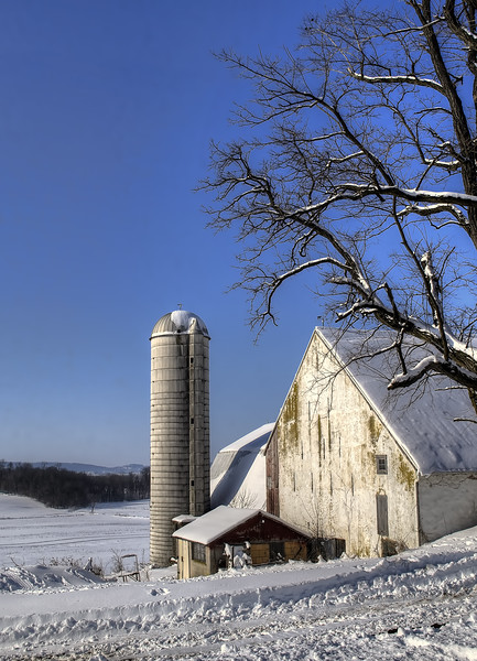 snow - barn and valley(p, 250).jpg