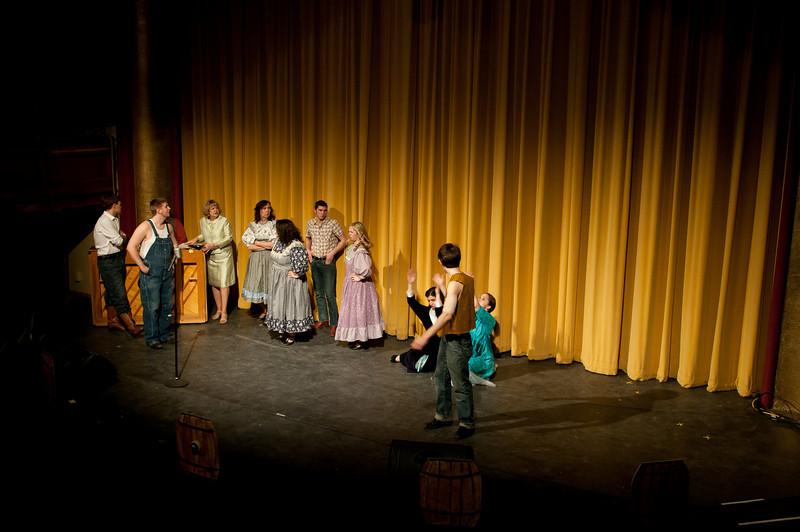 Curtains.20110301.2230.jpg