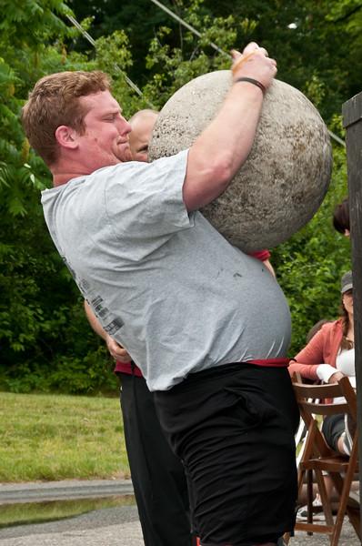 Fitness Revolution Strongman Challenge 2011_ERF4453.jpg