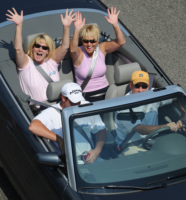. Motorists show their enthusiasm during the Woodward Dream Cruise on Saturday, August 15, 2009, in Birmingham, Mich.  (The Oakland Press/Jose Juarez)