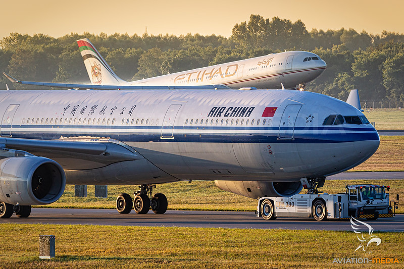 Air China / Airbus A330-300 / B-6101