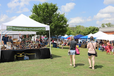 Piney Woods Wine Festival in Lindale