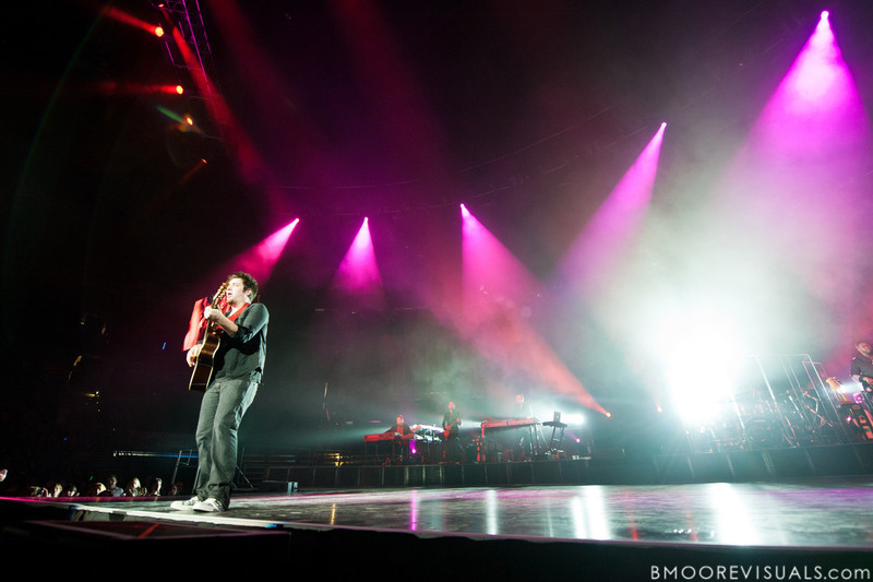 Lee DeWyze performs during the American Idol Live! Tour at St. Pete Times Forum in Tampa, Florida on August 4, 2010