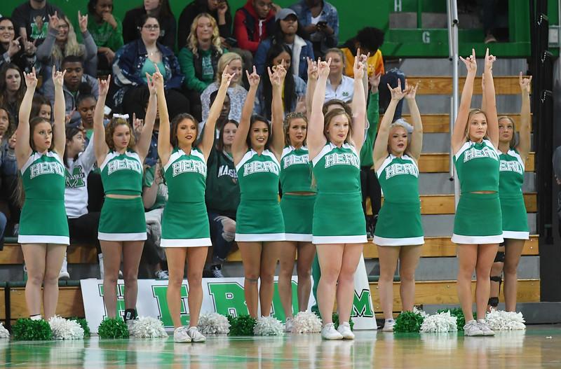 cheerleaders4836.jpg