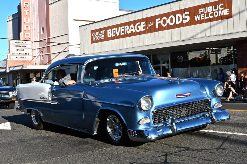 A Chevy BelAir makes a cool cruise down Main Street, Fortuna. José Quezada — For the Times-Standard