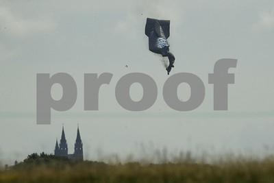 blimp-goes-down-at-us-open-condition-of-pilot-unknown