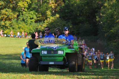 Men's College 8K Mid-Race - 2013 Michigan Intercollegiate XC Meet