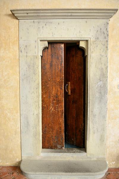 italy trebbio courtyard open door.jpg