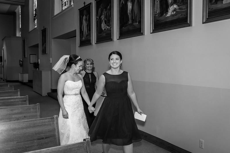 Jennie & EJ Wedding_00166-BW.jpg