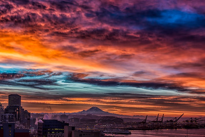 The spectacular Sunrise over Mt.Rainier this morning. (12/12)   Camera  NIKON D800  Lens 24-70mm f/2.8 ISO 100  Focal Length 50mm  Aperture f/9  Exposure Time 0.04s (1/25)