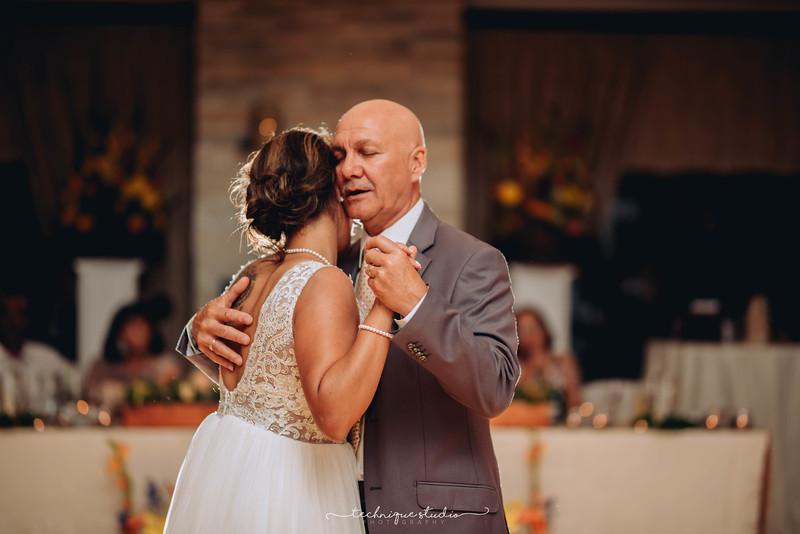 BRETT & CARMEN WEDDING PREVIEWS-133.JPG