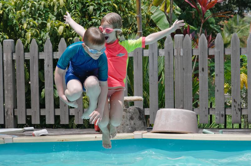 Grafes haben einen Swimmingpool, den Richard und Clara ausgibieg genutzt haben.