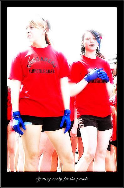 Cheerleaders preparing (80226285).jpg