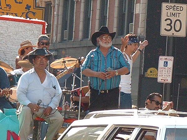 Pride Parade 2001-49.jpg