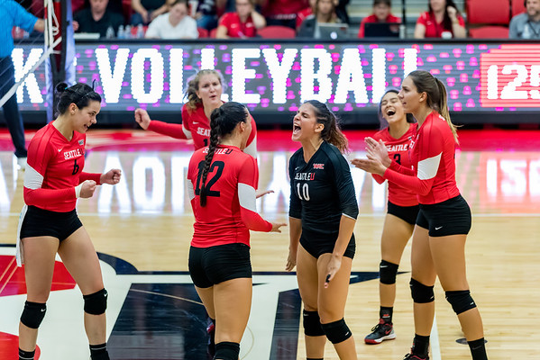 2016 Seattle U Volleyball vs Huskies