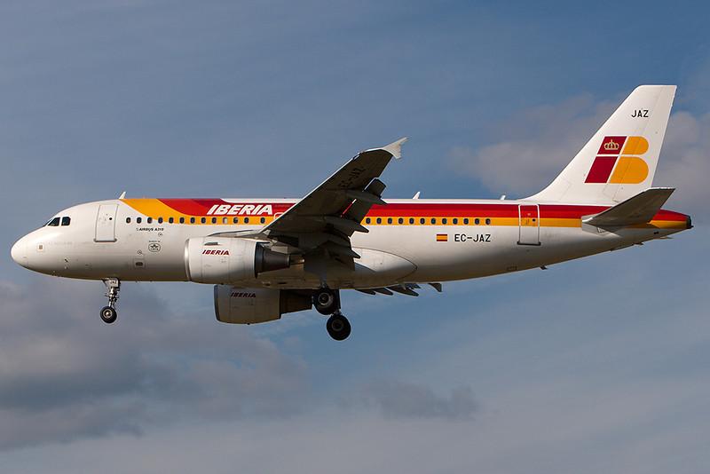 SkyMover_LHR18092007_Iberia_EC-JAZ.jpg