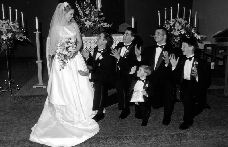 Wedding_knee_sm.jpg