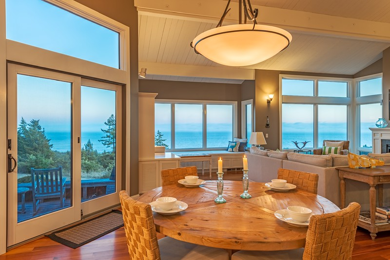 Dining with Ocean Views