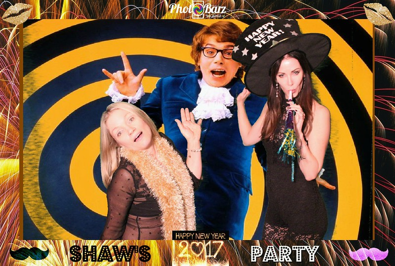 Shaws NYDay Party (24).jpg