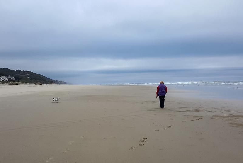 Beach walk with Mattie (11 of 20).jpg