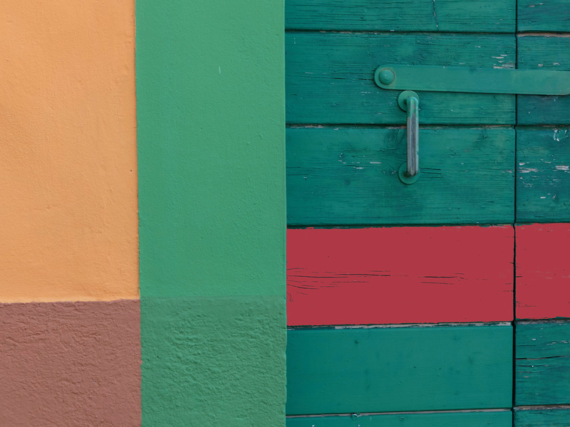 _F6A3744-ColorDoorsRedGreen 4x3.jpg
