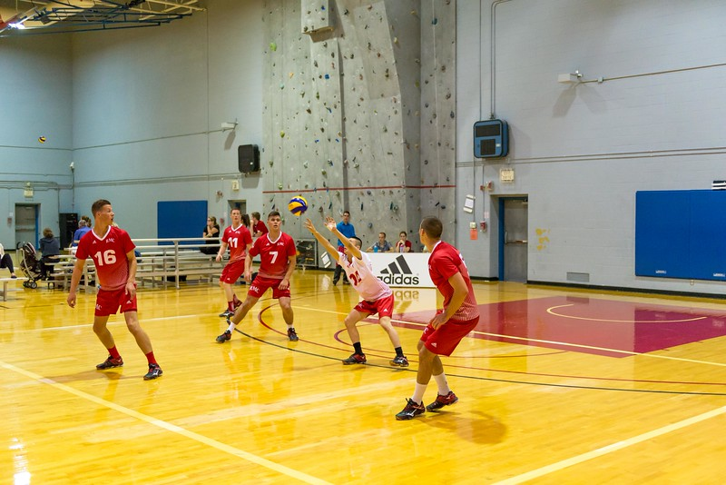 15-09-26 - (M) Vball Alumni Game-55.jpg
