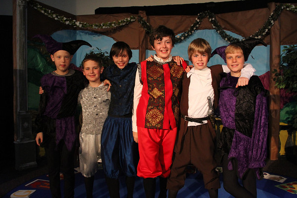 5th Graders Present Twelfth Night