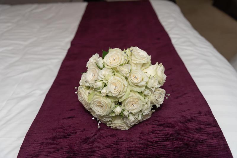 01 Bridal Prep-128.jpg