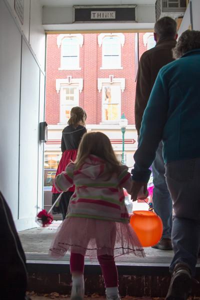 Halloween_Gardiner Main Street