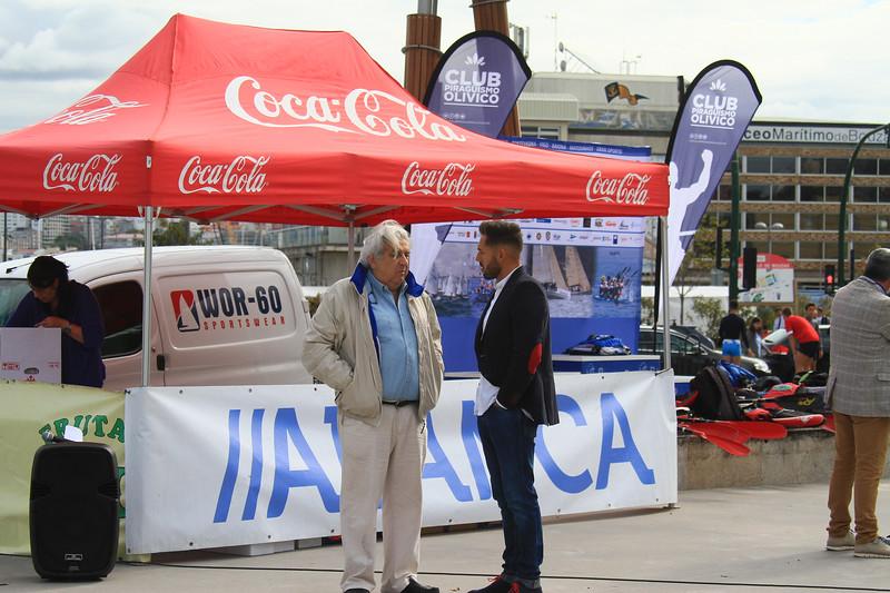 Coca Cola CLUB PIRAGUISMO OLIVICO Se oca: PIRAGUISMO OLIVICO ceo MarítimodeBaza TEVEDRAVKO BAIA MATOSIOS GRAN GRGATO ou bola 'Coca-Cola IL BWOR-60 SPORTSWEAR TEB 8