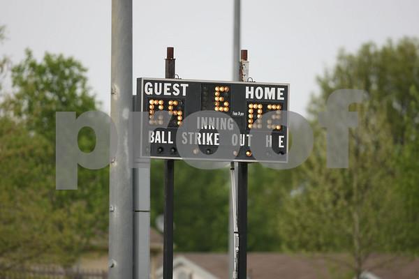 Varsity-Oak Grove vs Santa Fe 5-4-09