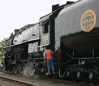 SP&S 700 in Salem (May 2005)
