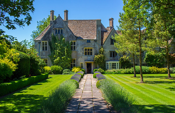 Historic Home Avebury Manor and Surrounds