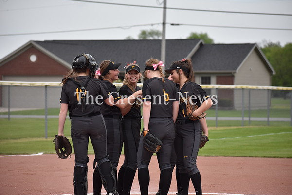 05-16-19 Sports D-III District SB Final PH-Fairview
