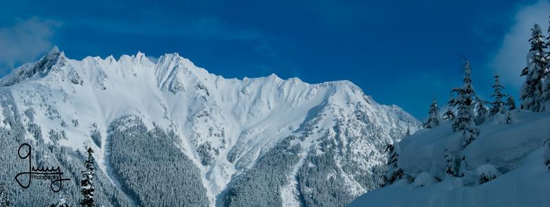 1011 - North Cascade Mountains from Mt. Baker, Washington.