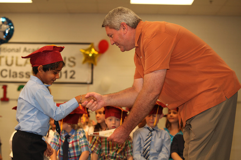 2012May18_MTA Kinder Grad_9703.JPG