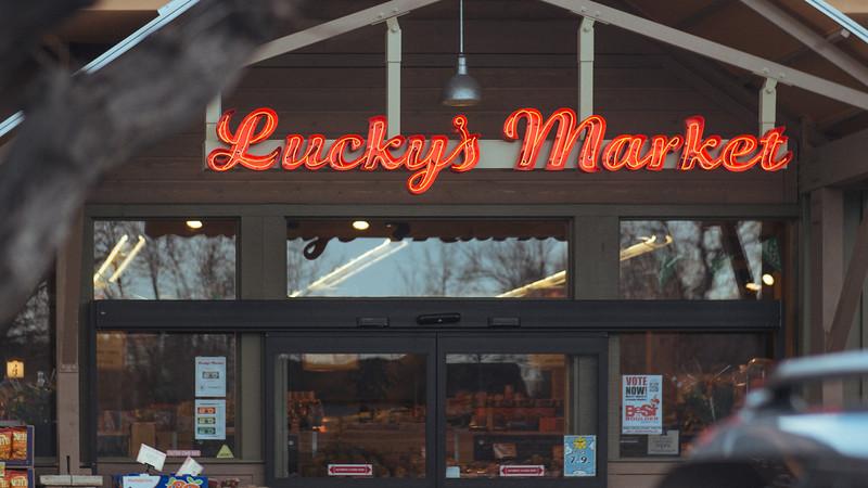grocery - good-apples-luckys-market-neon-detail.jpg