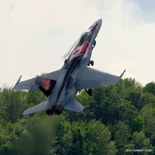 CF-18 Demonstration Team Hornet at 2013 Great Lakes International Air Show