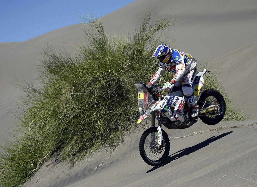 """. KTMs rider Francisco \""""Chaleco\"""" Lopez of Chile competes during the Stage 2 of the Dakar 2014 between San Luis and San Rafael, Argentina, on January 6, 2014.   FRANCK FIFE/AFP/Getty Images"""