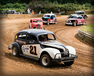 On The Oval Track at The Hot Rod Hayride 2014