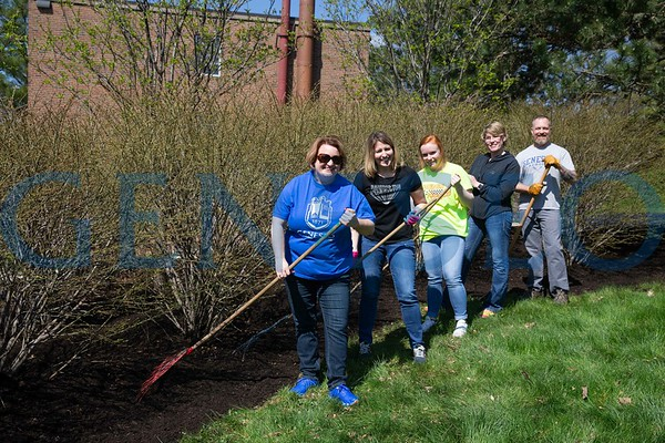 Earth Day Campus Spruce Up