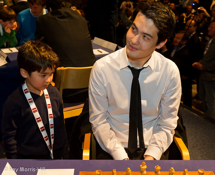 David's assistant seems keen to stay on and help him in his Round 8 game against Levon Aronian